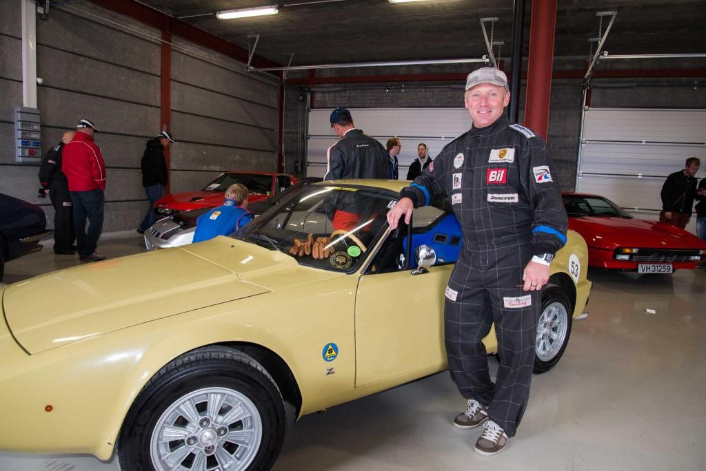 Jan Robert Sørensen er fra Rakkestad, og hadde ikke lang vei å kjøre med sin Alfa ROmeo Junior Zagato. Nr 528 av 1108 biler bygd.