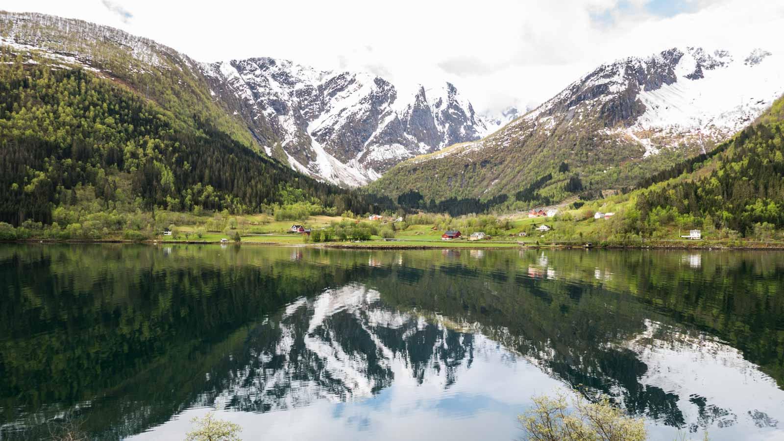 Fjellspeiling i Esefjorden