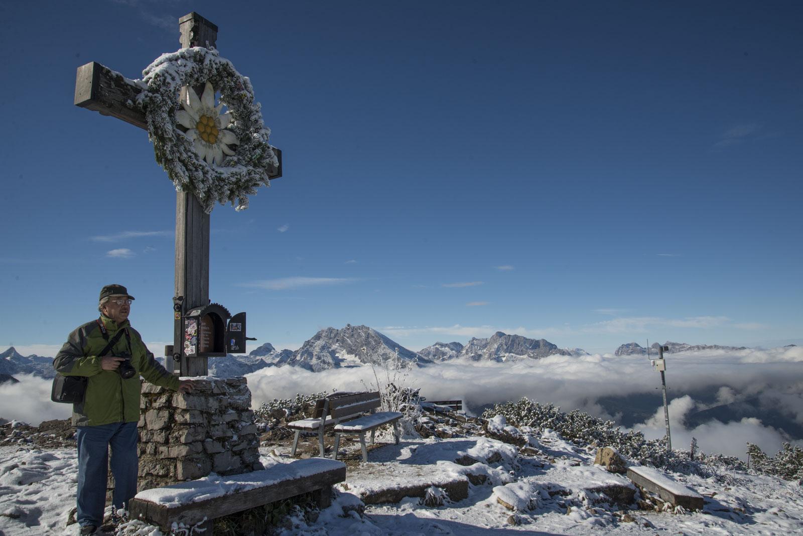 Korset med Edelwiss var et populært sted å bli tatt bilde ved.