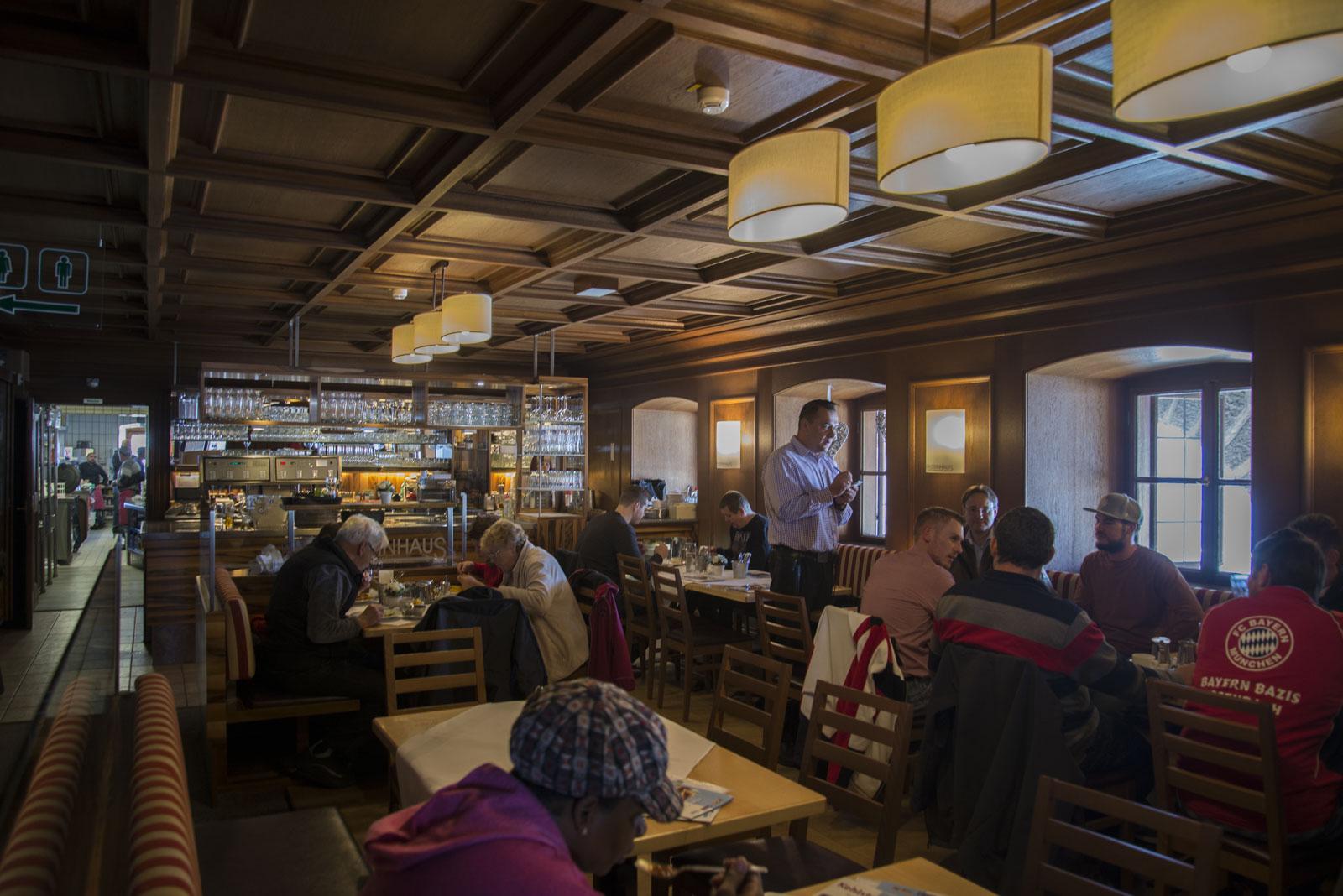 Den gamle spisesalen er nå kafé