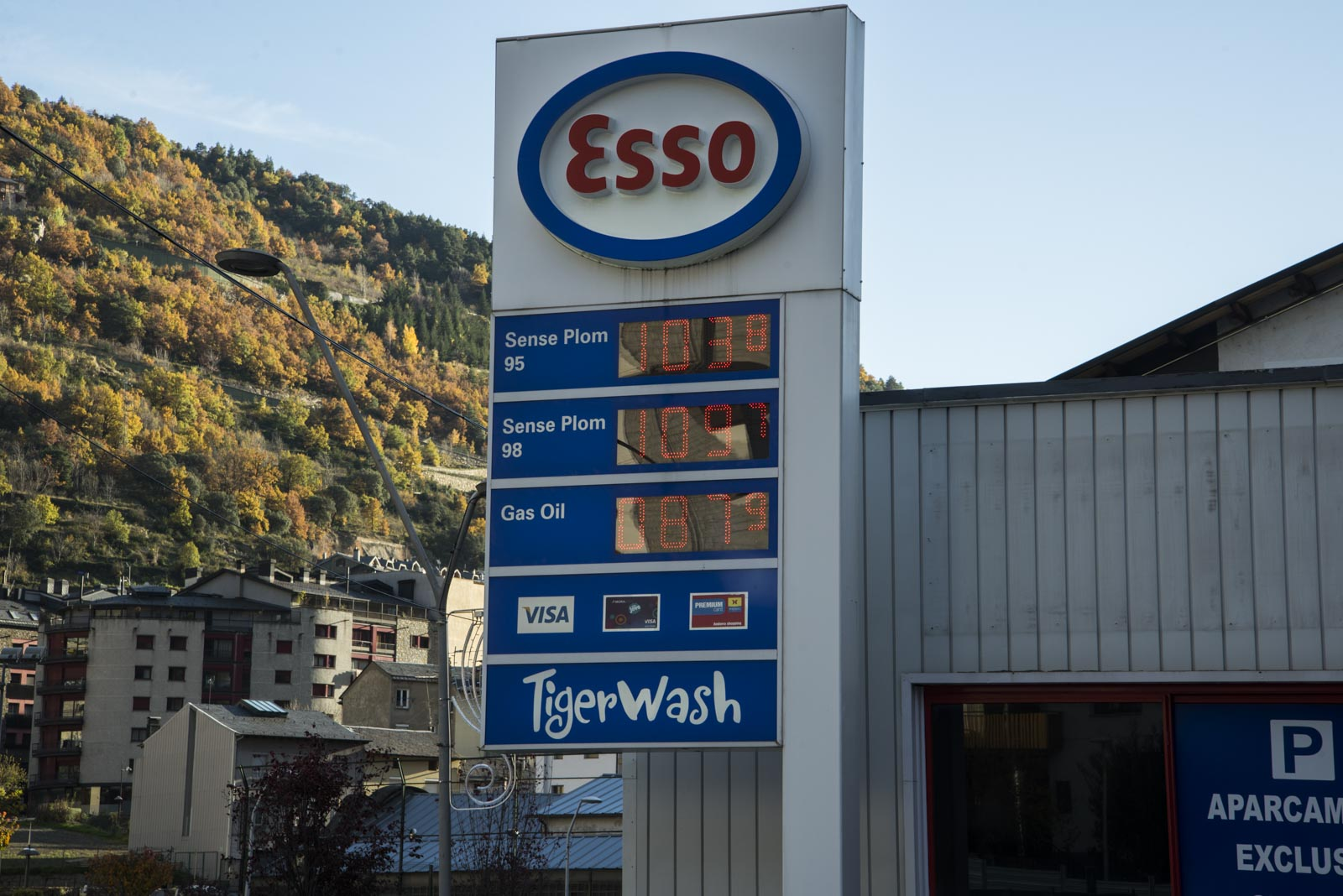 Billig drivstoff var det også
