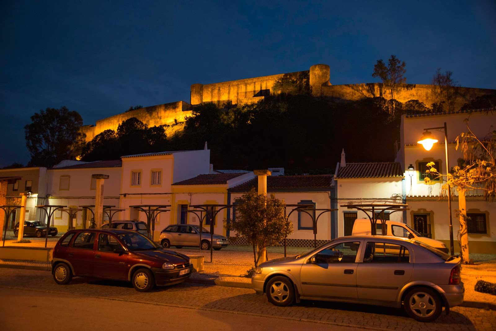 Borgen i Castro Marim var vakkert opplyst på kvelden