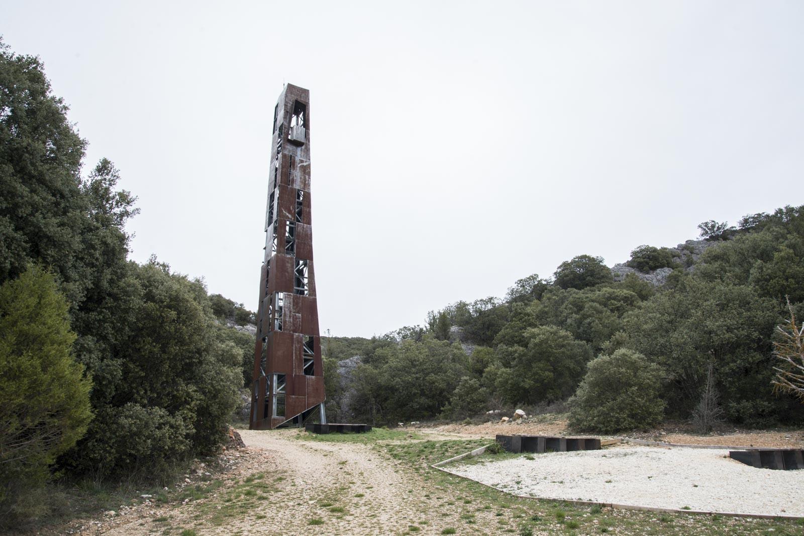Klokketårnet er 29,7 meter høyt. En referanse til 29. Juli. Olsok - Olav den helliges dødsdag
