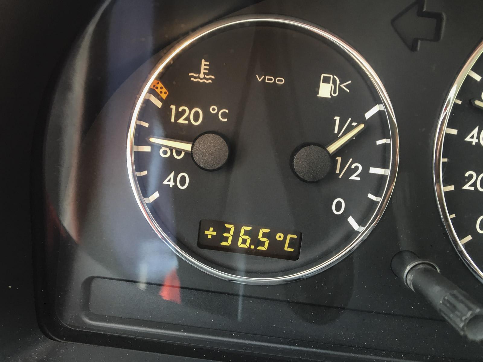 God varme sør i frankrike, og varmere skulle det bli