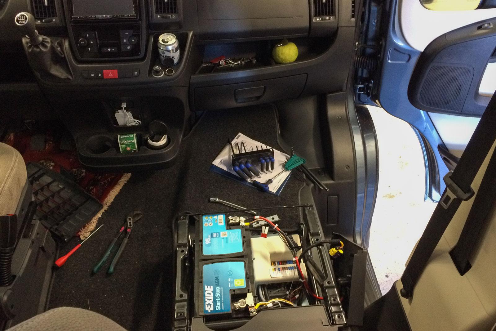Etter timer med feilsøking ble det ny styreenhet og nytt batteri